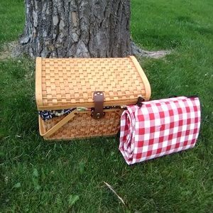 Other - Wicker Picnic Basket